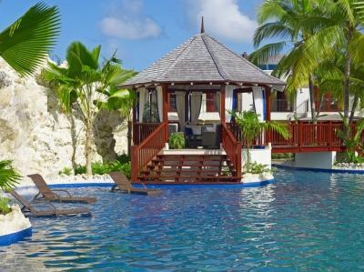 Amazing 3 Bedroom Villa on Gibbes Beach - Image 1 - Gibbes - rentals