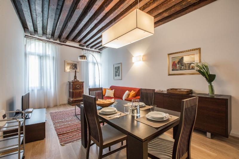 Julian 1 - Two bedroom flat just off San Mark's Square - Image 1 - Venice - rentals