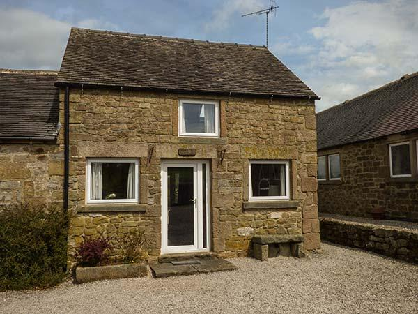 LOWFIELD COTTAGE, en-suite, WiFi, walks from the door, quaint cottage near Bakewell, Ref. 914071 - Image 1 - Bakewell - rentals