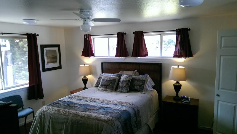 "Our luxurious Elk room has a queen bed, and a 32"" TV - Marshall House, 4 Bedroom - in Town Spring Rates!! - West Yellowstone - rentals"