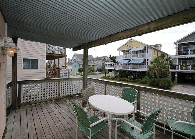 Klutz -  Enjoy your vacation at this centrally located condo in Beach Haven - Image 1 - Wrightsville Beach - rentals