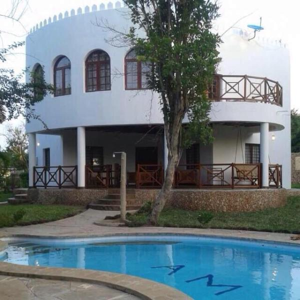 villa pundamilia - Book now 10% discount, Private pool, security, clean, free wifi, sea view villa - Diani - rentals