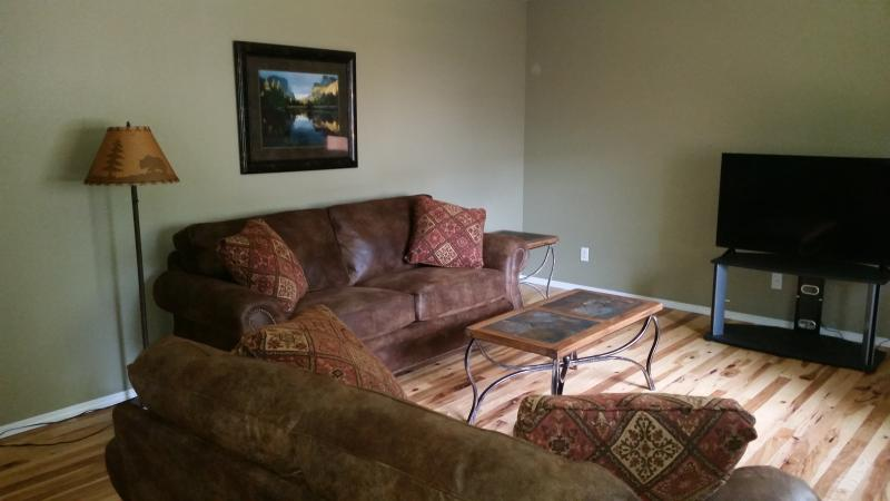 family room - Geyser Mtn Home - Avail for Spr/S- MonthlySpecials - West Yellowstone - rentals