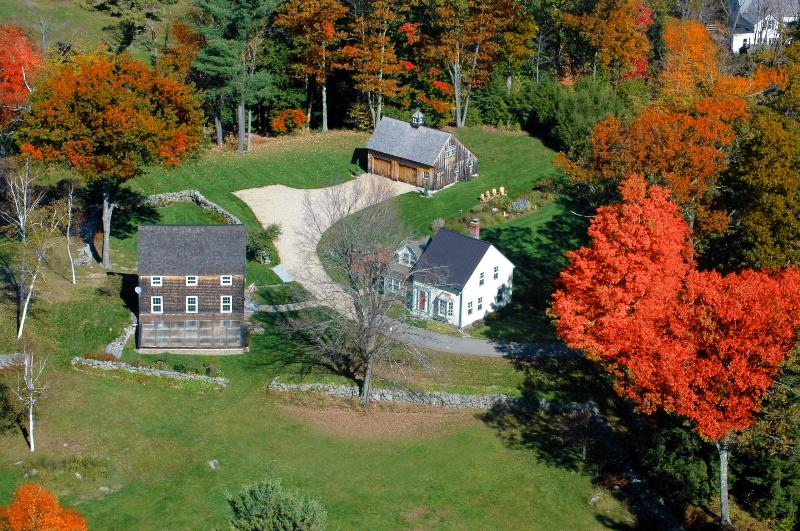 A Fall Foliage Flyover of 1830 Elijah Haven Homeplace - 1830 Private Storybook Country Home on 78 Acres - Ashburnham - rentals