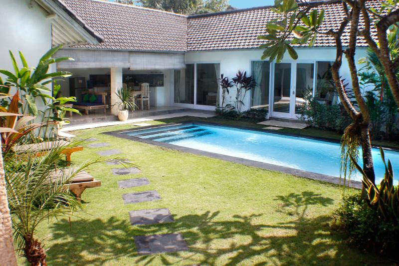 villa pagu - Villa Pagu, last minute offer!!! - Seminyak - rentals