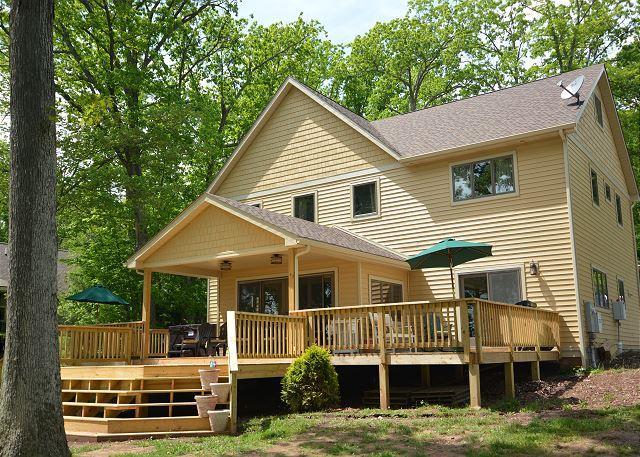Exterior - Phenomenal level lakefront home! - Swanton - rentals