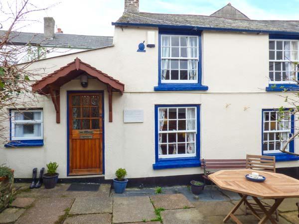 THE RETREAT, open plan, WiFi, pet-friendly, enclosed courtyard, near Appledore, Ref 918881 - Image 1 - Appledore - rentals