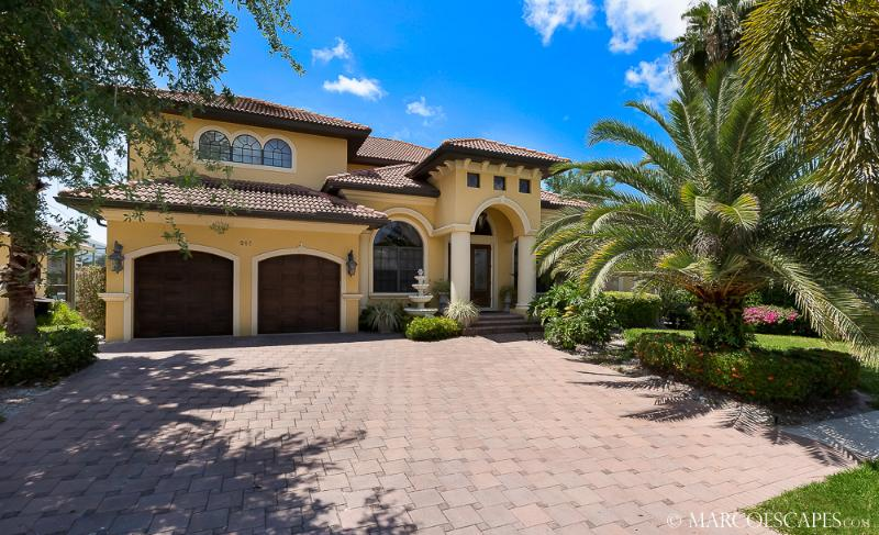 CASA DOMINGO - Tropical Waterfront Palace Sleeps 10 ! - Image 1 - Marco Island - rentals