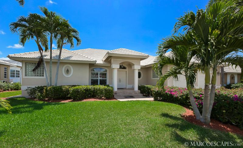 PARADISO - Southern Waterfront Exposure, Walking Distance to the Shoppes of Publix Plaza! - Image 1 - Marco Island - rentals