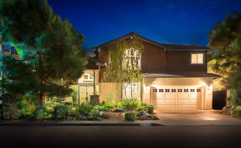 Welcome Home! 4 bdr House with Playroom, Easy 5 min walk to the Beach - Walk to beach, 4Bdr + Playroom! - Carlsbad - rentals