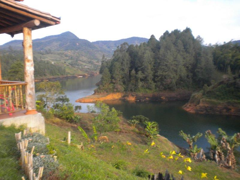 Gorgeous and Economical Lakeside Finca 0198 - Image 1 - Guatape - rentals