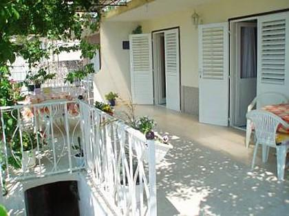 R1(3): common terrace - 01509OMIS  R1(3) - Omis - Central Dalmatia - rentals