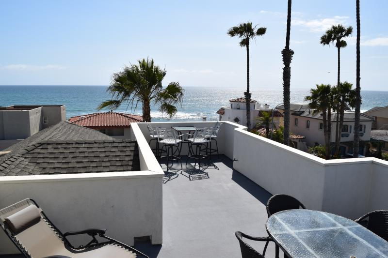 spacious rooftop deck with panoramic ocean view - 1/2 THE PRICE ACROSS THE STREET FROM THE BEACH - Oceanside - rentals