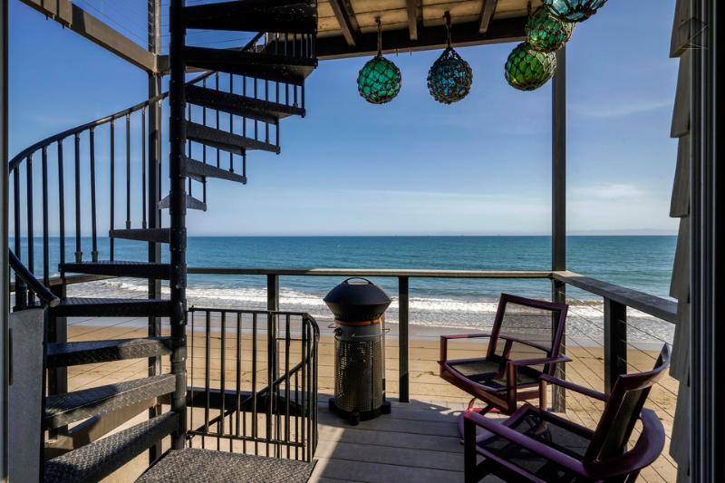 If you're going to spend time grilling, why not do it while enjoying an unobstructed ocean view? - Beachfront with 3 decks, 2 modern kitchens & full of unique character - Miramar Dolphin Den - Montecito - rentals