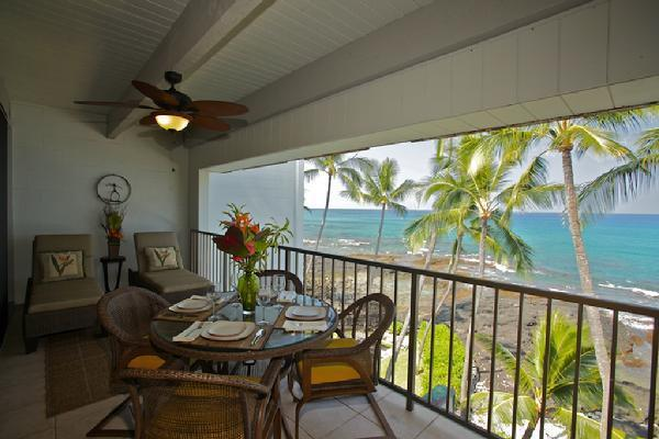 Lanai Dining and Relaxing with an Awesome View! - 4th Floor Oceanfront Condo with Awesome View! - Kailua-Kona - rentals