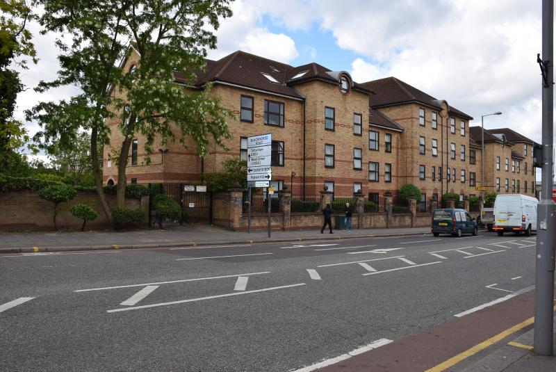 rental property - 1 bed apartment (J) London   15 minutes to City Ce - London - rentals