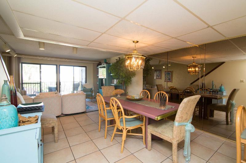 Dining Room - Families OR individuals >25 Sugar Bch Thomas 4/3 - Panama City Beach - rentals