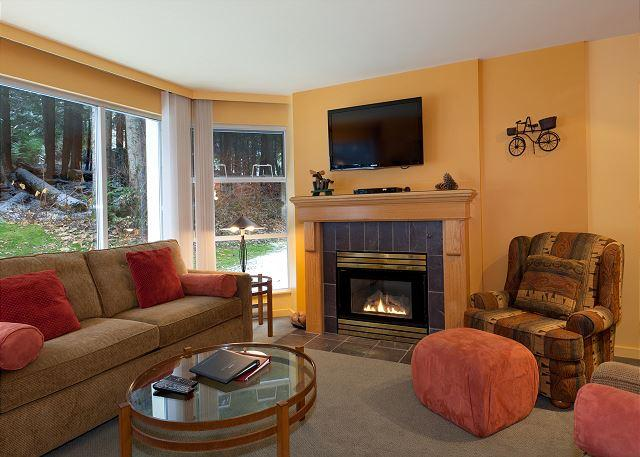 Cozy Living Area with Gas Fireplace - Woodrun Lodge #214 |  1 Bedroom + Den Ski-In/Ski-Out Condo, Shared Hot Tub - Whistler - rentals