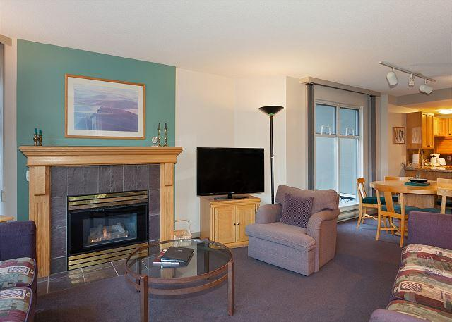 Open Concept Main Living Area - Woodrun Lodge 217 | Ski-in/Ski-out Condo, Fireplace, Common Hot Tub and Pool - Whistler - rentals