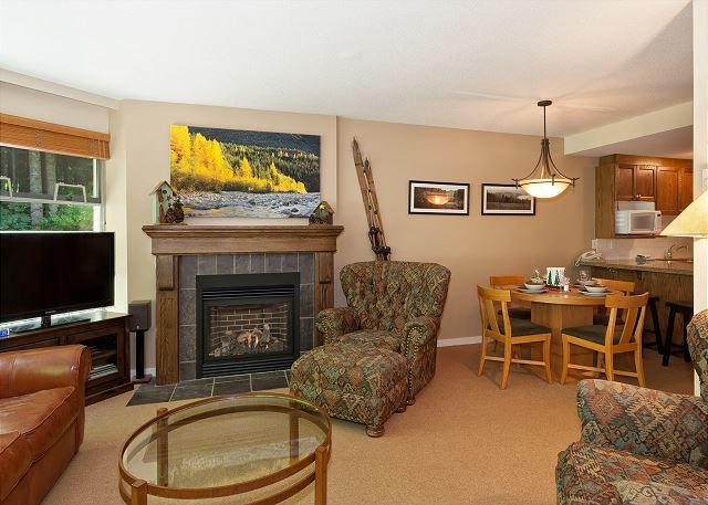 Living Area with Gas Fireplace, Flat Screen TV - Woodrun Lodge #218 |  1 Bedroom + Den Ski-In/Ski-Out Condo, Shared Hot Tub - Whistler - rentals