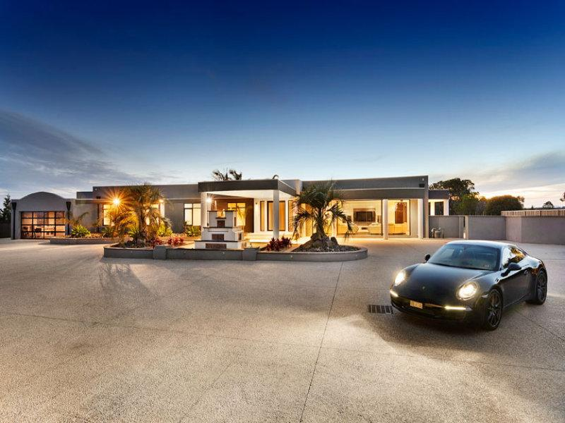 Welcome to Mansion Laburnum - MANSION LABURNUM MELBOURNE Sleep 16, 25 min to CBD - Melbourne - rentals