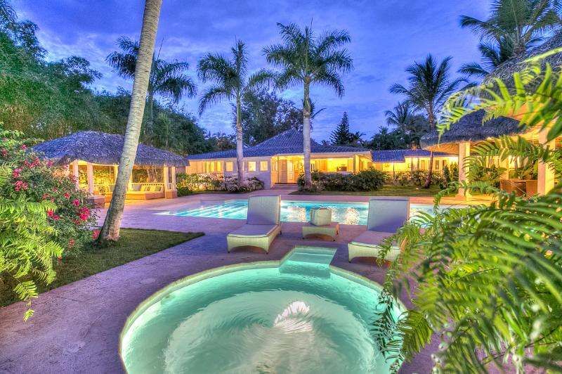 Ideal for Large Groups, Cook & Butler, Swimming Pool, 100 Yards To Beach - Image 1 - Altos Dechavon - rentals