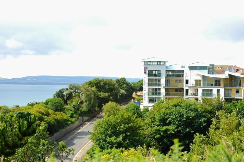 20 Studland Dene located in Bournemouth, Dorset - Image 1 - Bournemouth - rentals