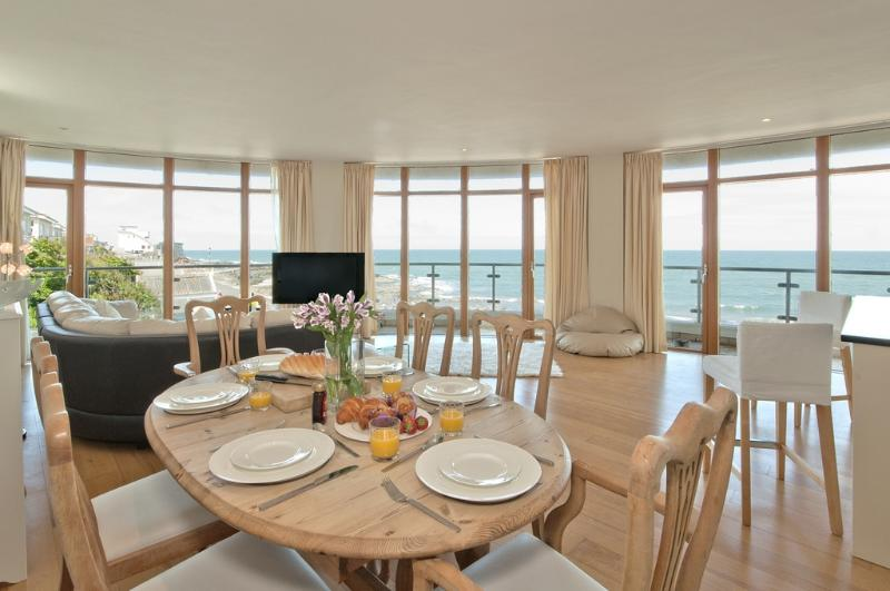 1 Horizon View located in Westward Ho!, Devon - Image 1 - Westward Ho - rentals