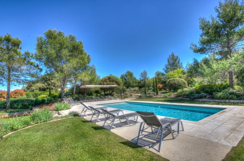 Villa Vacances Villa in Eygalieres, villas in Provence, holiday in Provence - Image 1 - Eygalieres - rentals