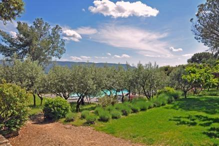 Villa Olive Garden Large villa in Luberon, Luberon villa walk to town, Gorde villa with pool and walk to town - Image 1 - France - rentals