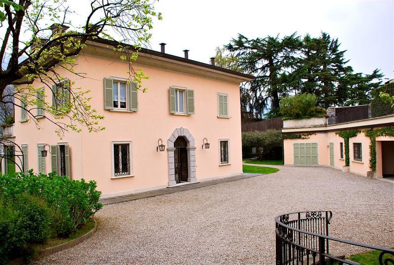Villa Ossuccio Italian Lake villa rentals, large villa for short term stay Lake - Image 1 - Ossuccio - rentals