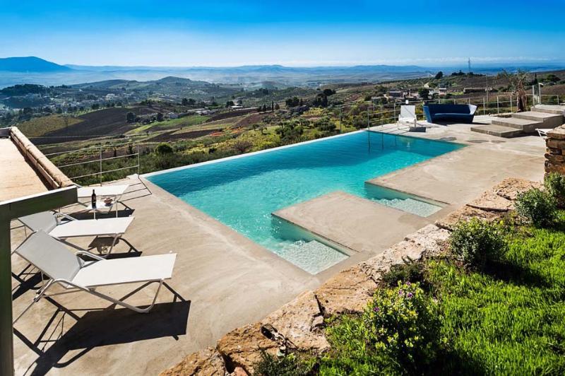 Villa Manzo holiday vacation villa rental italy, sicily, trapani, pool, air conditioning, view, villa to rent to let short term long - Image 1 - Trapani - rentals