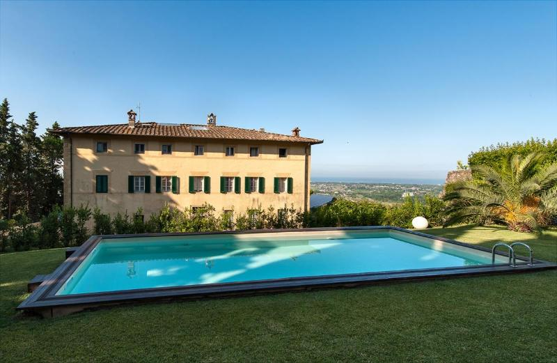 Villa Versilian holiday vacation large villa italy, tuscany, lucca, pietrasanta, view of sea, sea views, pool, air conditioning, wedding - Image 1 - Pietrasanta - rentals
