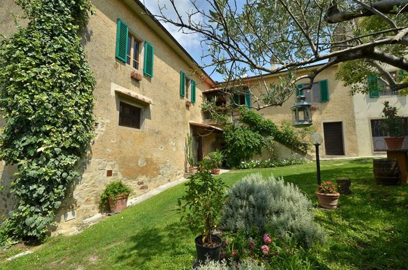 Villa Aretini holiday vacation large villa rental italy, tuscany, near siena, chianti, pool, wi-fi, view, short term long term villa t - Image 1 - Montebenichi - rentals