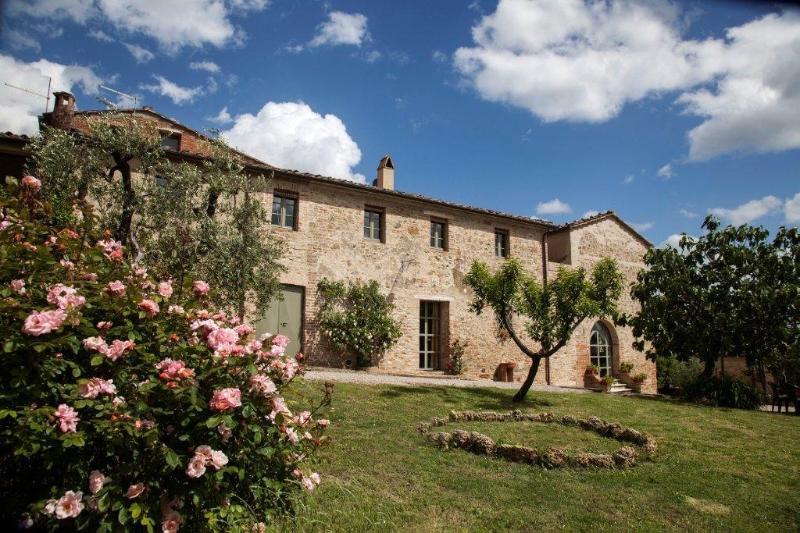 Villa San Giovanni Villa to rent in San Giovanni d\'Asso - Image 1 - San Giovanni d'Asso - rentals