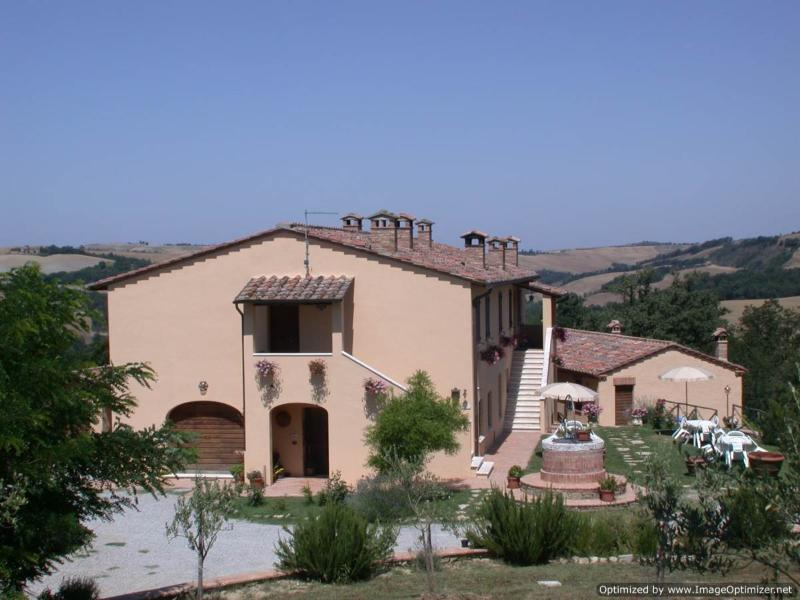 La Coppina - The Ruby farmhouse to rent near Siena, Tuscan home to let, holiday - Image 1 - Asciano - rentals