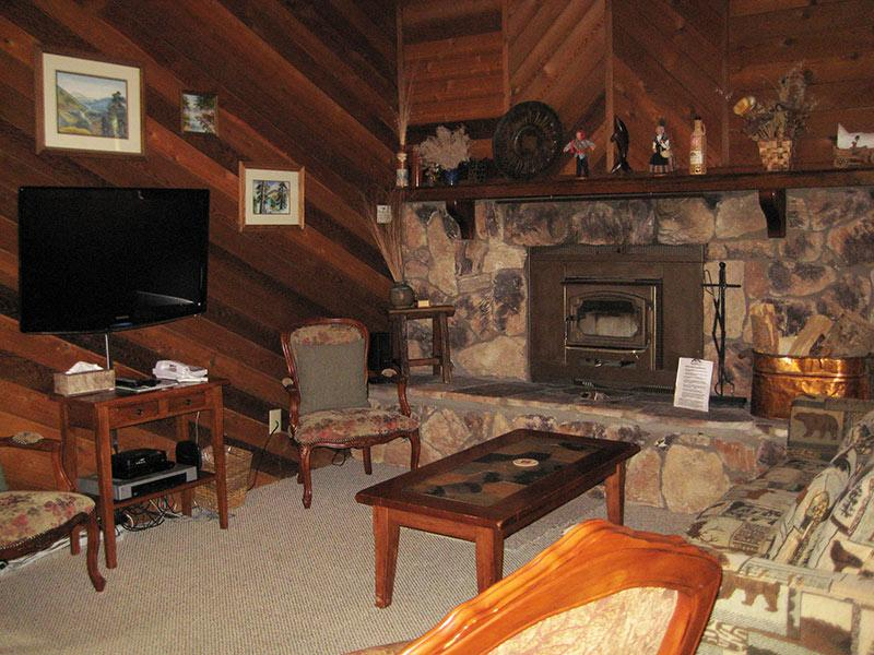 Living Room - Snowflower - SF063 - Mammoth Lakes - rentals