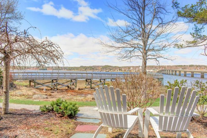 Dog-friendly waterfront studio with amazing views - great for relaxing! - Image 1 - Edgecomb - rentals