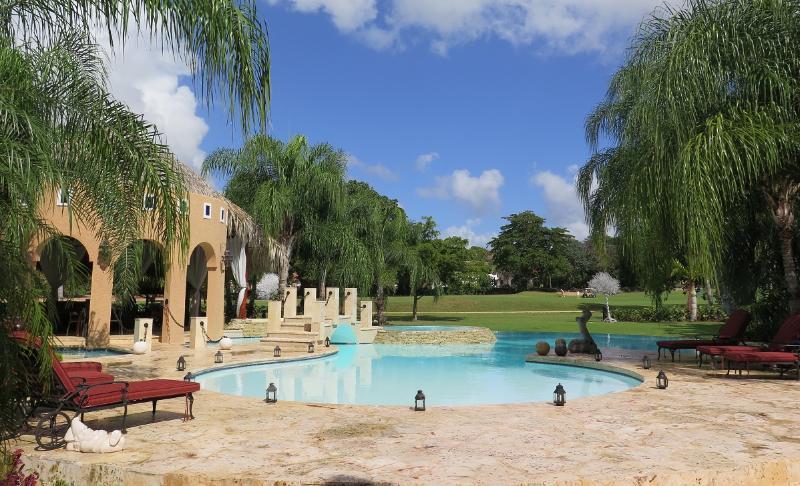 Villa Shangri La - Image 1 - World - rentals