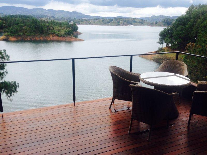 Gorgeous Lakefront Cabin 0202 - Image 1 - Guatape - rentals