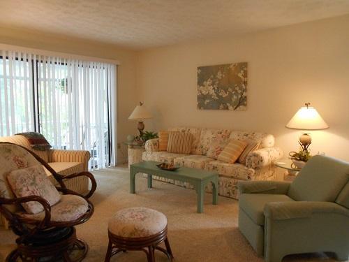 Living Room - 092-4 - Tateville - rentals