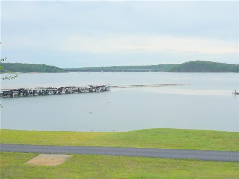 ON THE WATER!  Welcome to Lake Norfork at Henderson Arkansas!  Spacious 4 bedroom 2 bath sleeps 12 - Image 1 - Henderson - rentals