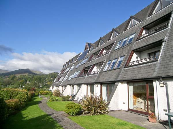 BRATHAY first floor apartment, use of leisure facilities, wonderful view in Ambleside Ref 922449 - Image 1 - Ambleside - rentals