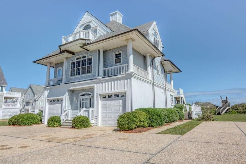 4230 Island Dr - Island Drive 4230 Oceanfront! | Internet, Community Pool, Jacuzzi, Fireplace - North Topsail Beach - rentals