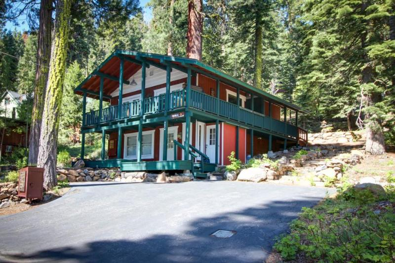 Great home with private hot tub, quiet tree-lined setting - Image 1 - Tahoe City - rentals
