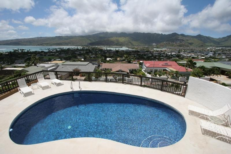 Pool View - OCEANVIEW Ohana 3+BR, Heated Pool, Partial A/C - Honolulu - rentals