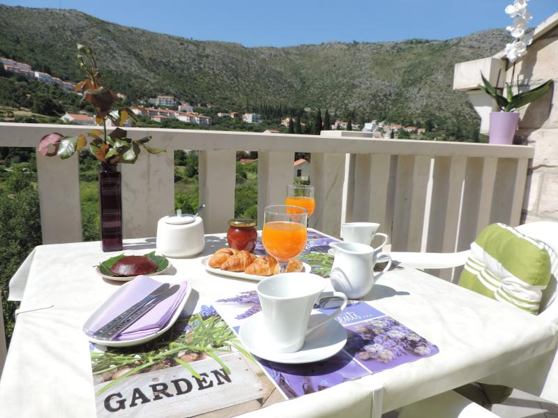 Balcony - Cute Apartment in Peaceful Area near Dubrovnik II - Dubrovnik - rentals