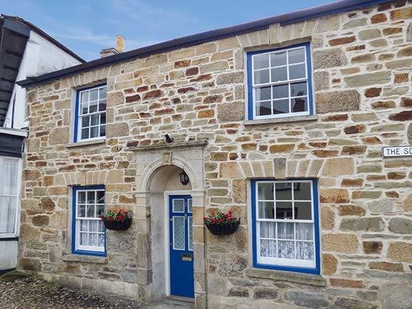 2 THE SQUARE, Grade II listed cottage with two woodburners and WiFi, sun trap garden with patio furniture, Chacewater, Ref 922423 - Image 1 - Chacewater - rentals