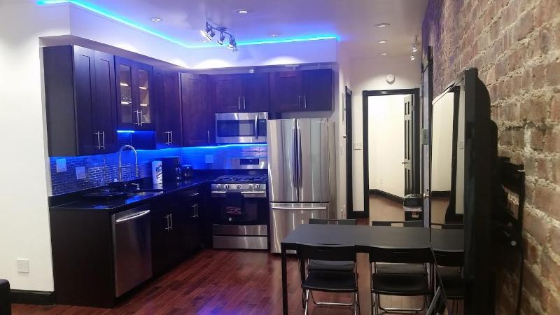 Living room- kitchen -1 - Spectacular 3 Beds 2 Baths 20min from Time Sq. - New York City - rentals