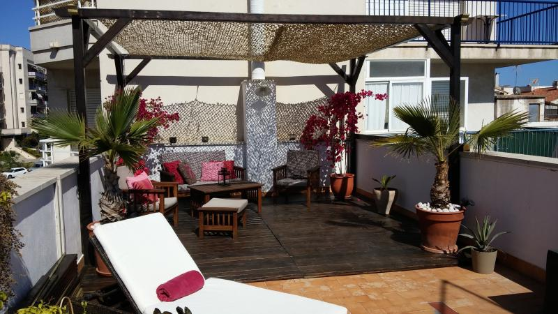 Kikas Place in Sitges centre  3bedroom/5 outdoor - Image 1 - Sitges - rentals